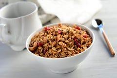 早餐谷物:自创格兰诺拉麦片 免版税库存照片