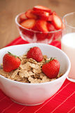 早餐食品牛奶草莓 库存照片