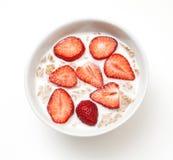 早餐食品牛奶草莓 图库摄影