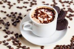 早餐Cappucino用曲奇饼 免版税库存图片