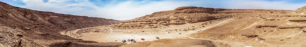 旱谷德格拉受保护国和沙漠的全景视图在Maadi开罗埃及 免版税库存图片