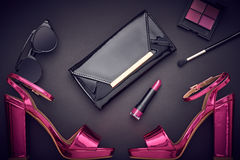 时尚化妆用品构成 设计妇女辅助部件 免版税库存照片