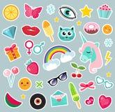 时尚套补丁80s可笑的样式 别针、徽章和贴纸汇集动画片 免版税图库摄影