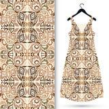 时尚无缝的几何样式,妇女的礼服 免版税图库摄影
