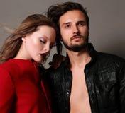 时尚美好的性感的夫妇演播室照片  库存照片