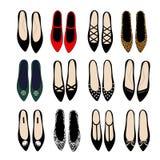 时尚鞋子设置了例证 各种各样的时尚鞋子设计收藏 时髦的传染媒介例证 拉长的方式时兴的现有量例证穿上鞋子时髦 免版税图库摄影