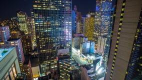 时常纽约曼哈顿摩天大楼方形的夜Timelapse 股票录像