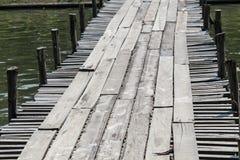 临时木桥梁 免版税库存图片