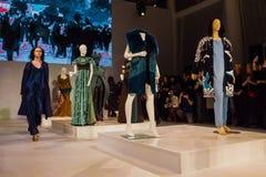 时装表演在圣彼德堡 免版税库存图片
