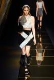 时装表演` Milin `成衣性感的妇女样式 库存照片