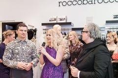时装设计师Rocco Barocco在第一家单音品牌商店的营业日在俄罗斯 免版税库存照片