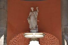 时运喷泉- Fontana della福尔图纳在那不勒斯 图库摄影