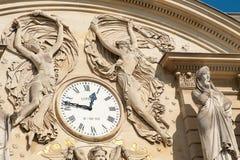时钟卢森堡宫殿 库存图片