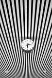 时钟和线 免版税库存照片