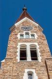 时钟和Christuskirche的钟楼在温得和克,纳米比亚 免版税库存照片