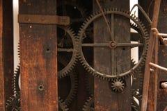 时钟机械工葡萄酒 库存照片