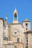 时钟著名罗马式塔 免版税库存照片