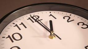时钟装饰房子墙壁 股票视频