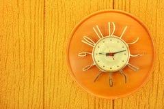 时钟铣板葡萄酒 库存图片