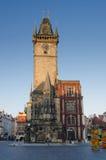 时钟mesto老布拉格凝视塔城镇 免版税图库摄影