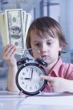 时间是金钱概念 逗人喜爱的小的事务幽默画象  库存图片