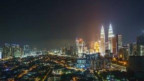 时间间隔从日落到在吉隆坡市地平线的日出 股票视频