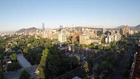 时间间隔日出和圣地亚哥,智利鸟瞰图