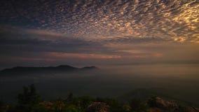 时间间隔:在小山的美好的日出在玻璃马来西亚 股票录像