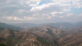 时间间隔-在Judaean沙漠的移动的云彩在以色列 股票录像