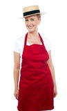 时髦中间名变老的快乐的厨师佩带的帽子 免版税库存照片