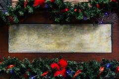 时髦的圣诞节框架或牌与诗歌选光和胸罩 免版税库存照片