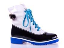 时髦的妇女的黑白鞋子 免版税库存照片