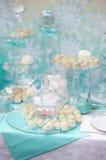 时髦的甜桌 免版税库存图片