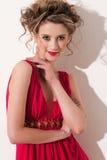 时髦的美好的接近的女孩maekeup红色 免版税库存照片