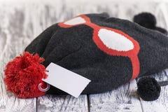 时髦的被编织的帽子 库存照片