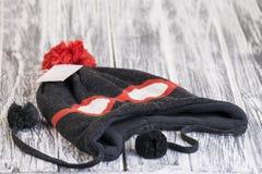 时髦的被编织的帽子 免版税库存照片