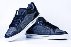 时髦的运动鞋 免版税库存图片