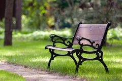 时髦长凳的公园 图库摄影