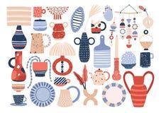 时髦陶瓷家庭陶器和瓦器-杯子,板材,碗,花瓶,杯子的汇集 捆绑器物为 皇族释放例证