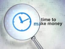 时间安排概念:时钟和时刻挣金钱 免版税图库摄影