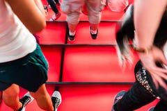 时代广场红色步、青年文化和旅游业概念 图库摄影