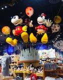 时代广场迪斯尼商店的里面 库存照片