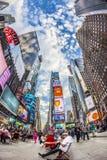 时代广场,以为特色与百老汇剧院和巨大数目  免版税库存图片