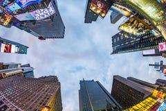 时代广场,以为特色与百老汇剧院和巨大数目  免版税库存照片