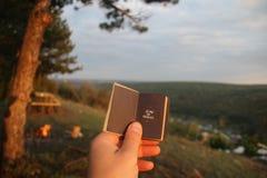 时刻旅行概念,与文本的书 免版税库存照片
