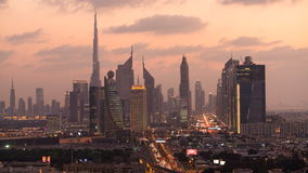 时间间隔Burj Al哈利法,在黄昏的扎耶德Road回教族长地平线, 股票视频