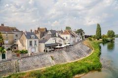 昂布瓦斯,法国 城市的一个风景看法从河卢瓦尔河的 免版税库存图片