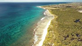 昂斯市du Souffleur,盐水湖,路易港,格朗德特尔岛,瓜德罗普,加勒比鸟瞰图  影视素材