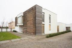昂贵和被设计的房子 免版税库存照片