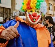 昆卡省,厄瓜多尔, 2018年1月13日:小丑发信号赞许 免版税库存图片